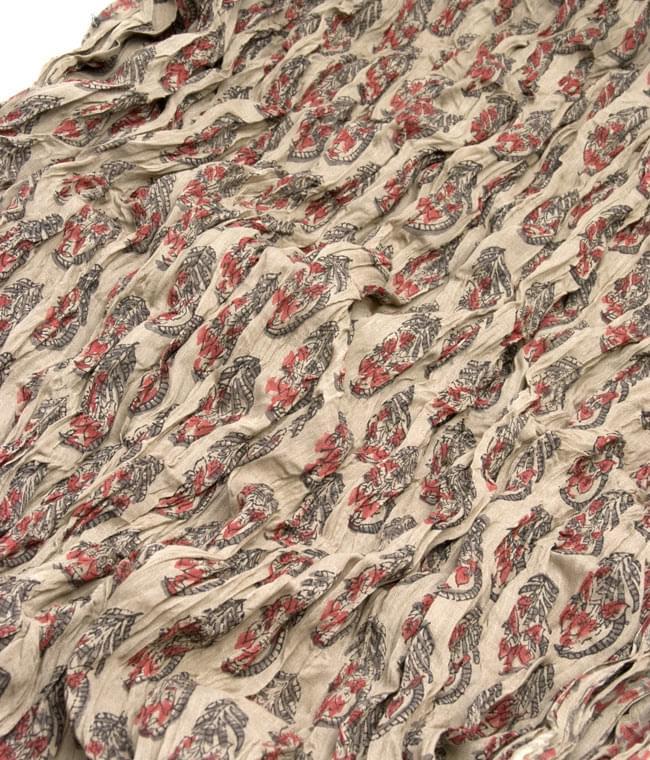 【ウッドブロック】インドのクリンクルストール- グレーの写真2 - 幅もあるので、使い勝手が良いです。