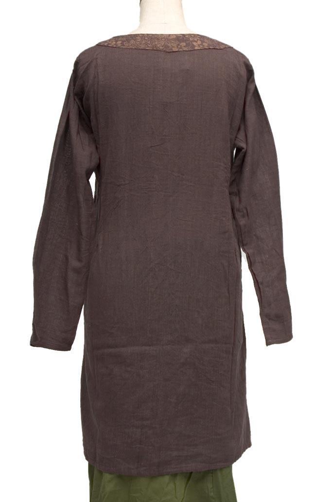 長袖紐刺繍ジャケット【茶】の写真5 - 後姿もきれいに見えます。
