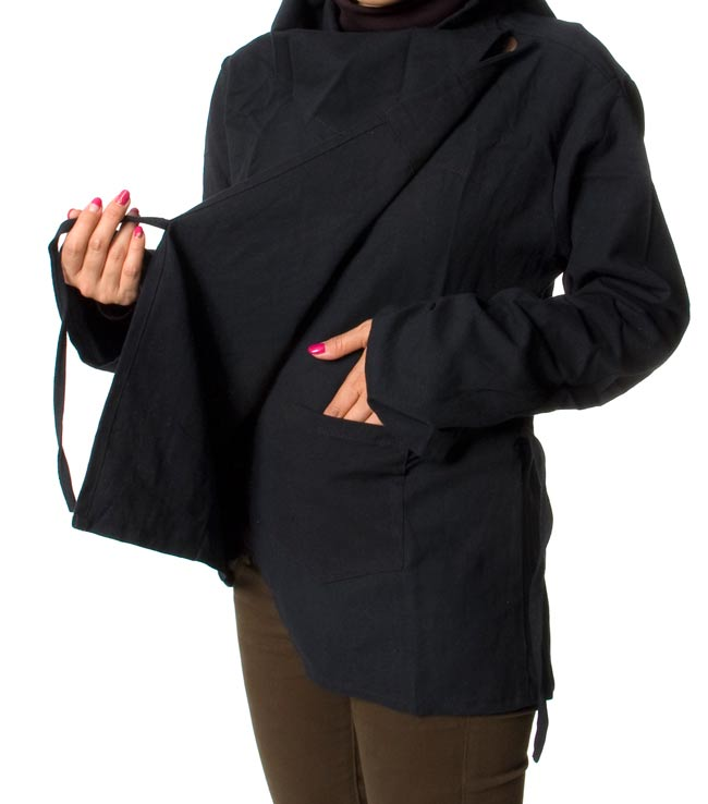 ウッドボタンのカシュクールジャケット 【オレンジ】の写真7 - 内側にポケットがあるので、便利ですよ!