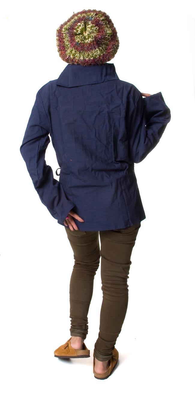 ウッドボタンのカシュクールジャケット 【紺】の写真4 - 後ろ姿はこんな感じです。