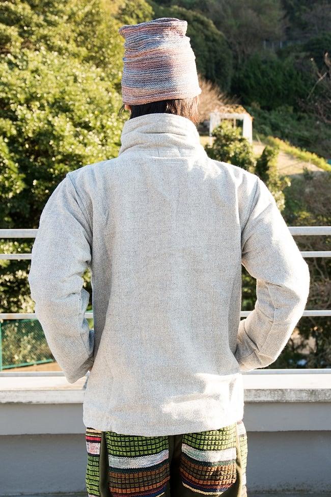 ネパールのゲリラインジャケット 10 - 背中側はスッキリシンプルです。