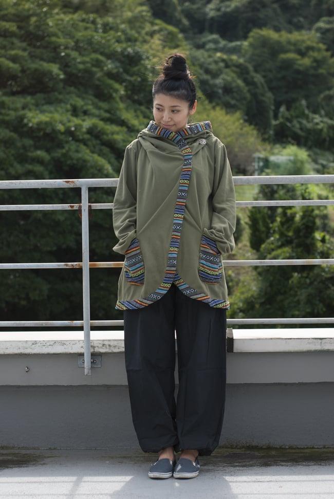 ネパールゲリラインのフリースジャケットの写真8 - K:カーキ(ゲリ素材のポケット)