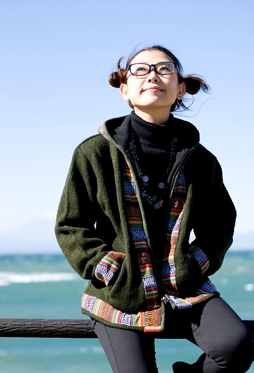 ネパールのゲリラインウールジャケット 2 - B:カーキ:身長150?のスタッフがSサイズを着てみました。Sサイズでピッタリです。