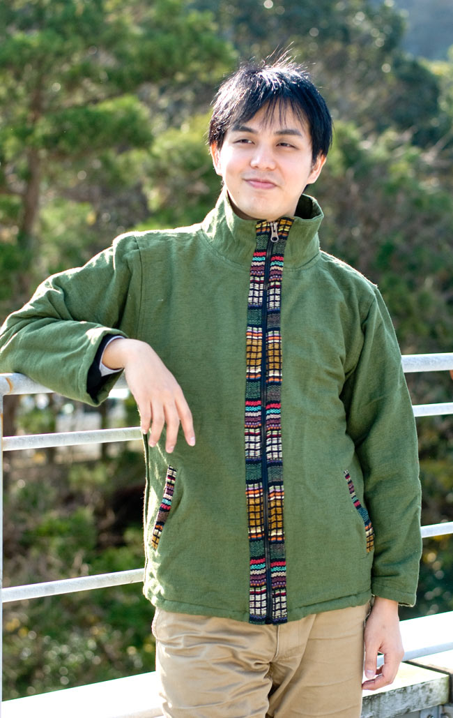 ゲリラインのライトジャケットの写真4 - 身長172�の男性スタッフが着てみました。男性でも問題なく着て頂けます。
