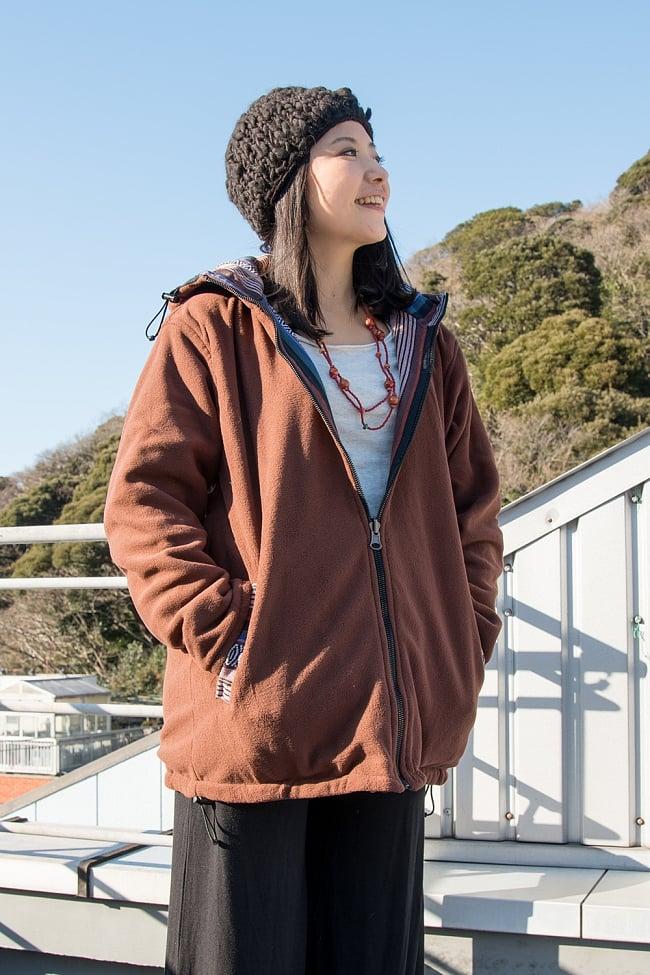 ネパール伝統布のインナーフリースジャケット 7 - なんとリバーシブルで着用できます。