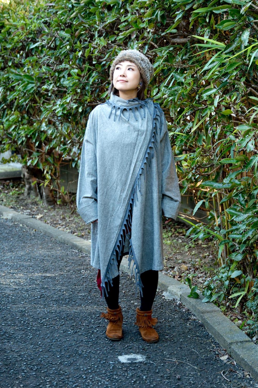 たっぷりフリンジのコットンジャケット 4 - 身長150cmのモデル着用例です。少し大きめで袖も長いのですが、一つ折って着れば問題ありませんでした。