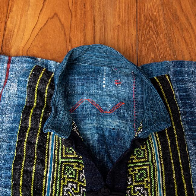 【一点物】黒モン族の藍染刺繍ジャケット 10 - ボタンを開いたところです