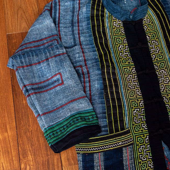【一点物】黒モン族の藍染刺繍ジャケット 4 - 腕の部分です