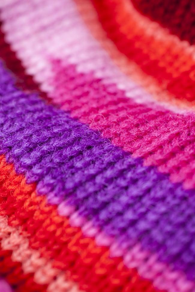 ウールン・ロールハット 【ピンク×紫】 2 - 生地を近くから見てみました。ふんわりとしたウール毛糸が温かいです。