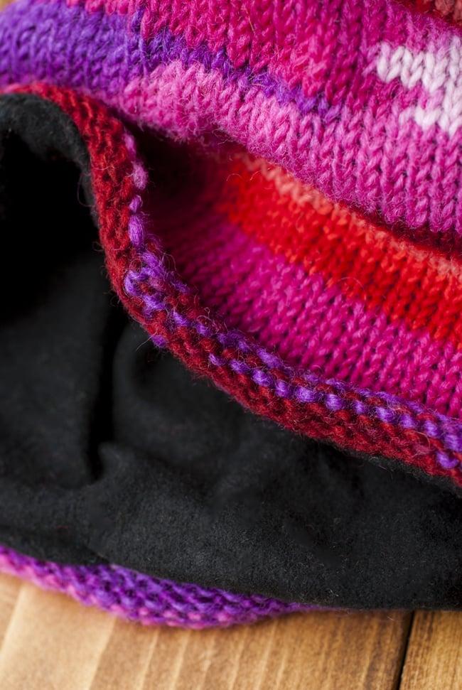 ウールン・ロールハット 【ピンク×紫】 3 - ふちの部分がくるんとカーブしていて可愛いです。内側は黒いフリースなので、とても温かいです!