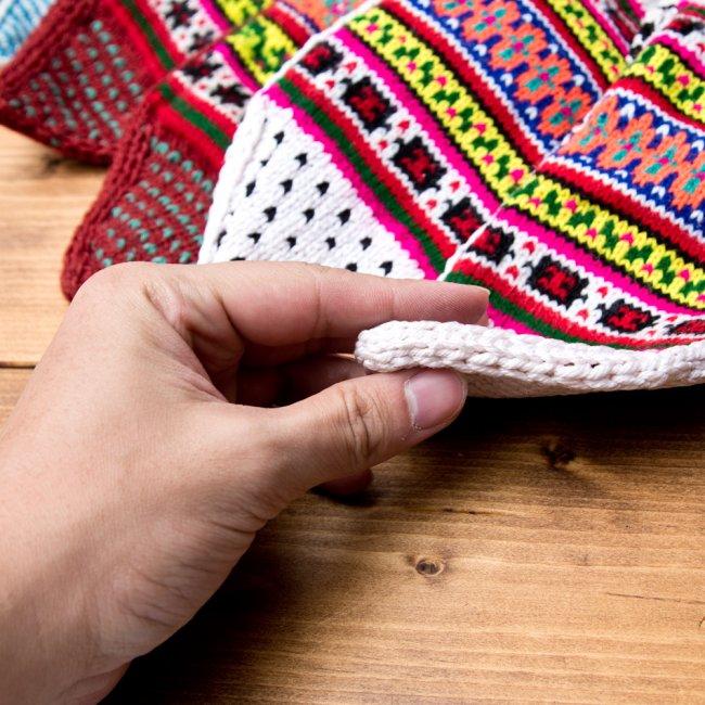 マナリの靴下 - カラフルアクリル 8 - しっかり保温してくれる適度な厚み。