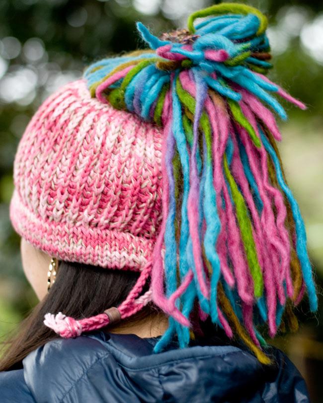 フェルトのポンポン ニット帽 - ピンク 2 - 別の角度から撮ってみました。