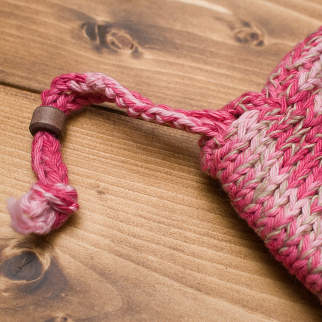 フェルトのポンポン ニット帽 - ピンク 6 - ここで若干の調節ができます。