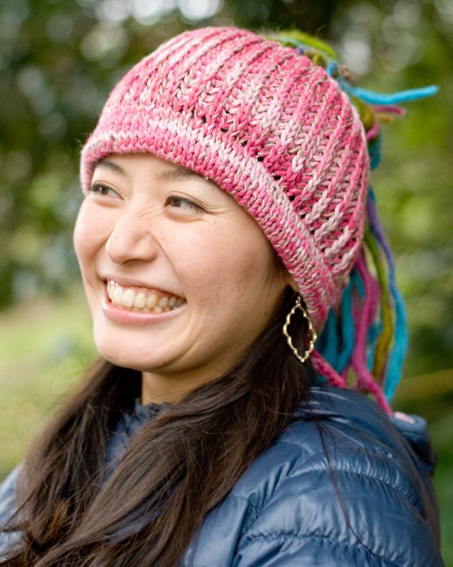 フェルトのポンポン ニット帽 - ピンクの写真