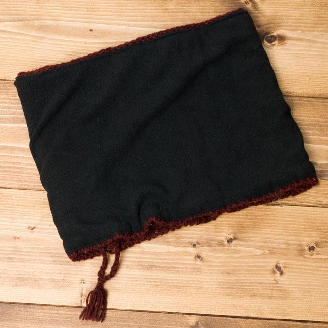 もこもこウールン・ネックウォーマー - 赤の写真6 - ひっくり返してみました。内側はフリースなのでポカポカ温かいです。肌さわりも気持ち良いですよ!