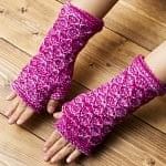 ダイヤモンド織りのウールン・アームウォーマー  ピンク・紫系