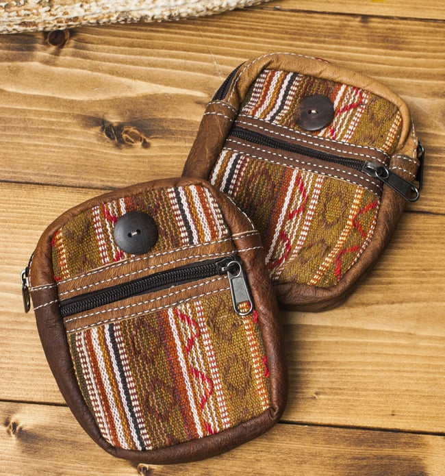 エスノ刺繍レザータバコケース - 茶色系 5 - 手作り製品のため、一点ごとに風合いやデザインのパターンが異なります。