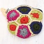 [今が狙い目!冬セール]お花の手編みポーチ 【クリーム】