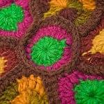 お花の手編みポーチ 【ブラウン】