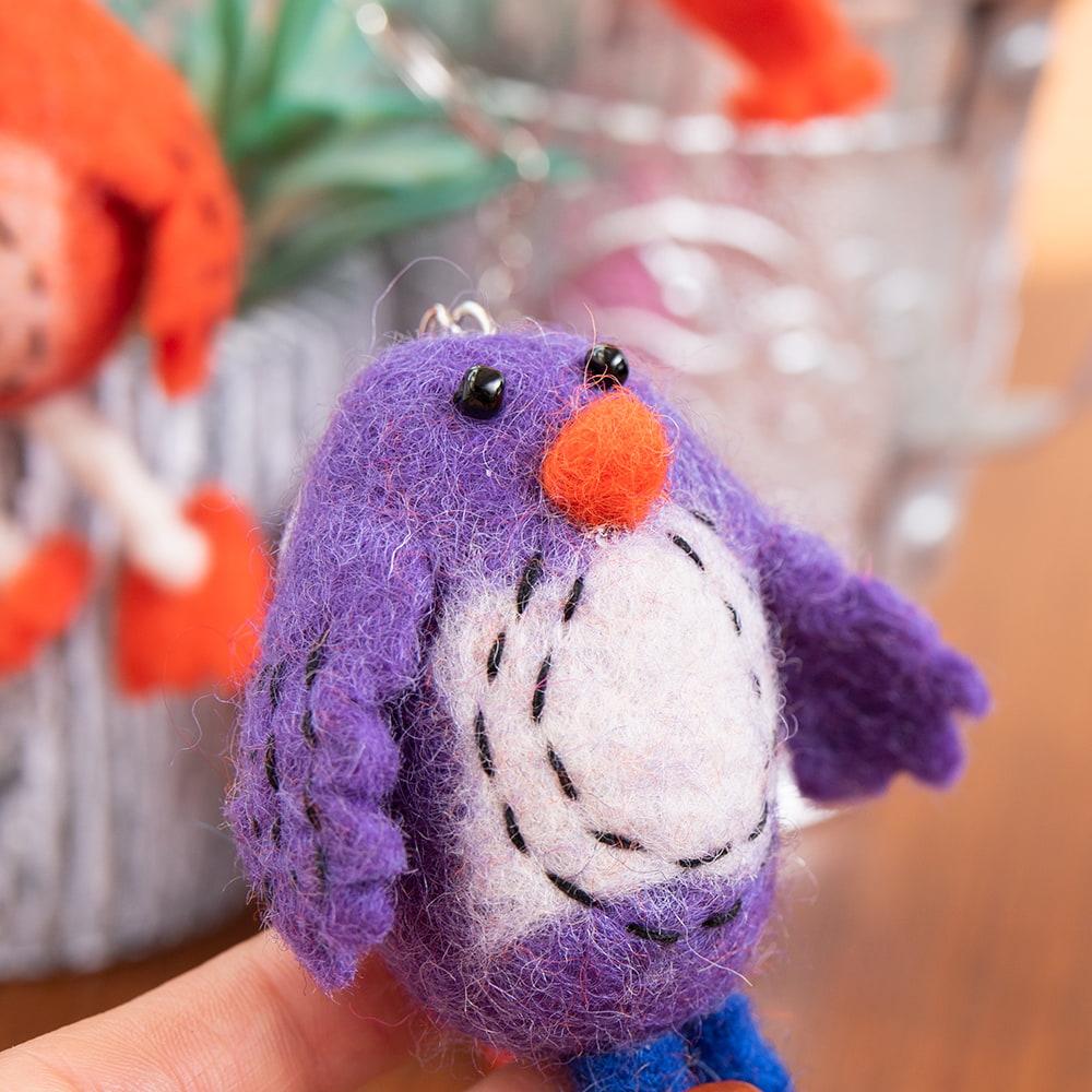ネパールのもっちり鳥さん - ピンク 5 - 手に取るとこれくらいのサイズ感です。