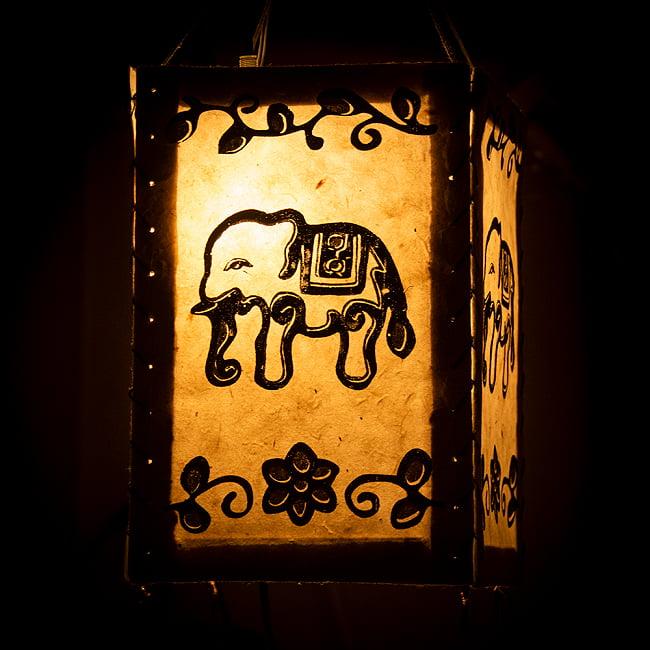 ロクタ紙ランプシェード【象】(4面タイプ)の写真
