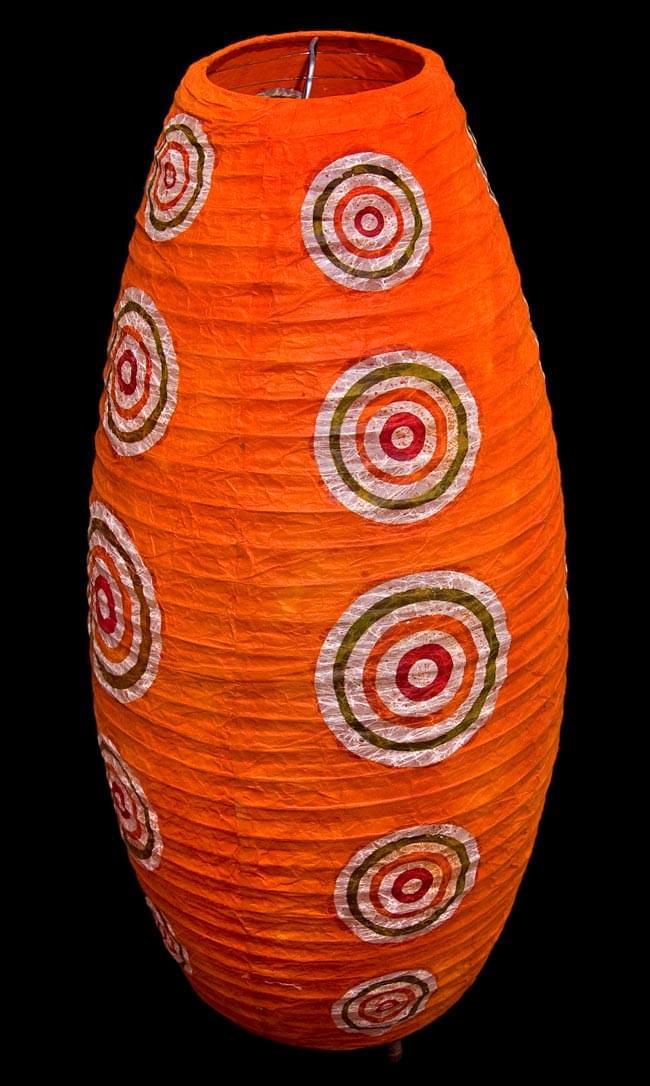 [ワケアリ・付属品不足]ロクタ紙ランプシェード(床置きタイプ)-オレンジ・丸の写真3 - ランプを消してフラッシュ撮影した写真です。