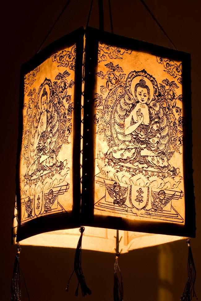 ロクタ紙 - 四面ランプシェード ブッダの写真