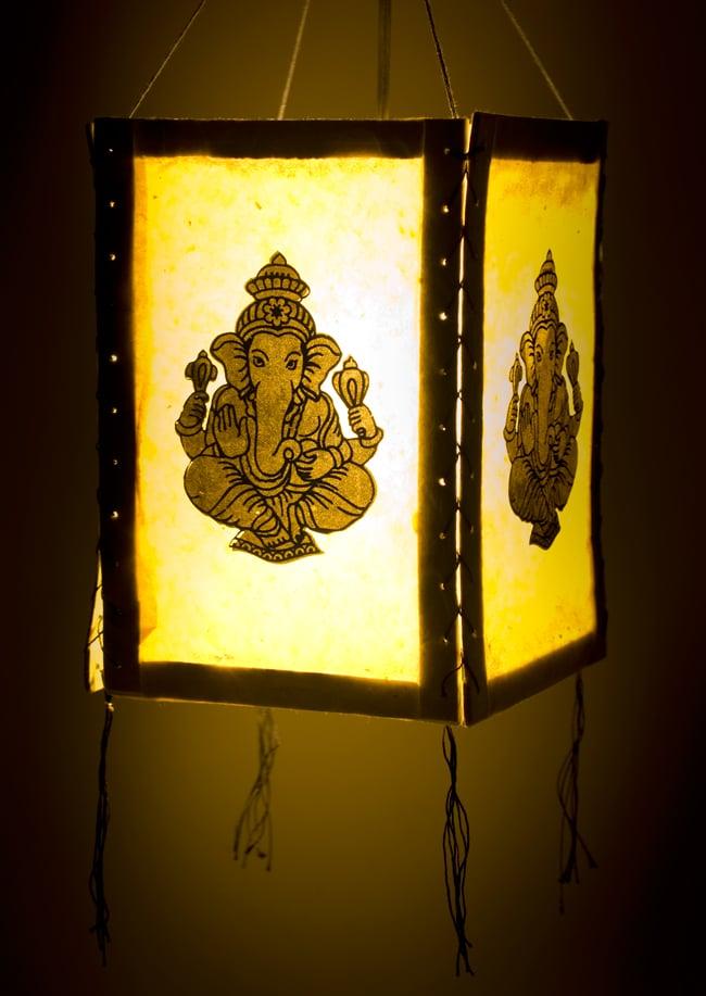 ロクタ紙 -四面ランプシェード  ガネーシャの写真