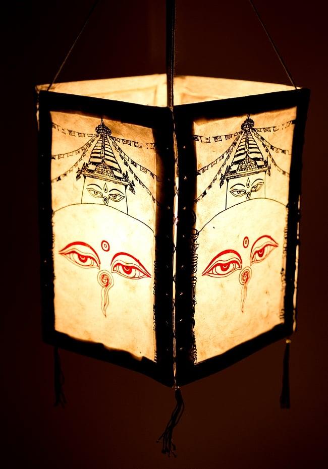 ロクタ紙 四面ランプシェード - ストゥーパとブッダアイの写真