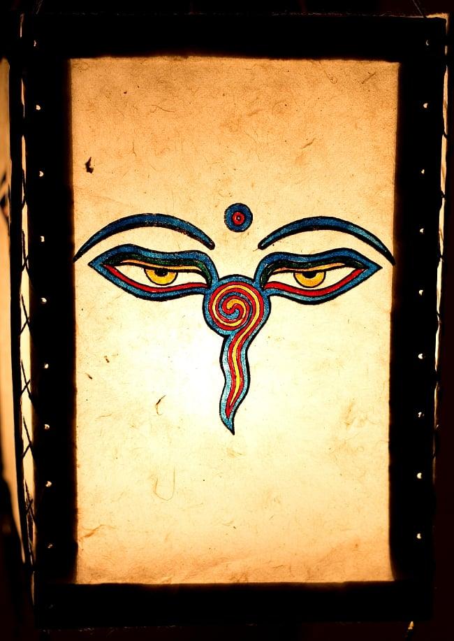 ロクタ紙 四面ランプシェード - ブッダアイ 2 - ロクタ紙独自のムラが、光の微妙な明暗を生み出し、他にはない雰囲気が出ます。