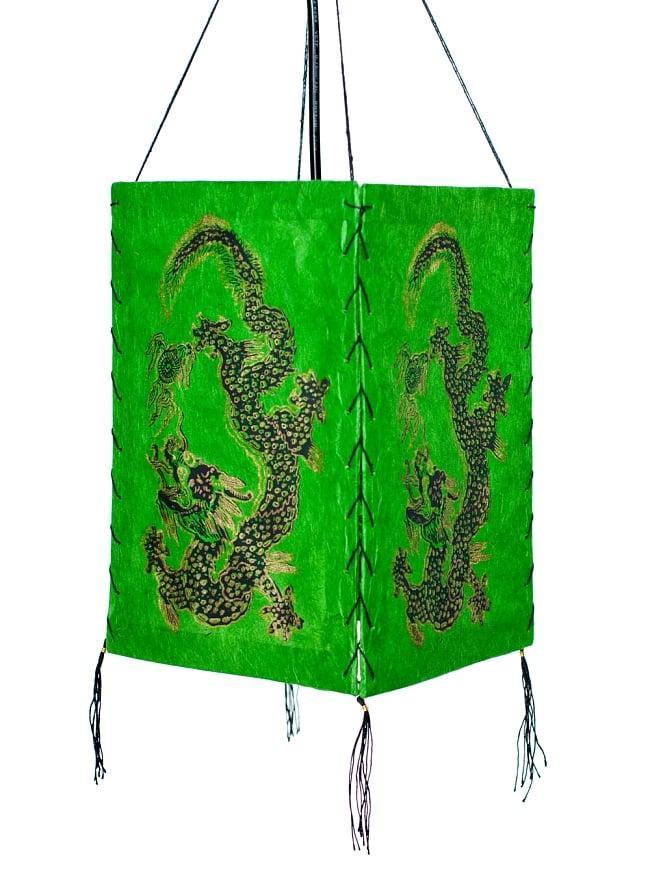 ロクタ紙 四面ランプシェード - ドラゴン 5 - 明るいところでの写真です。吊るすだけでもオシャレです。