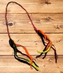 ぐねぐねワイヤー入り・ふわふわカラフルブレスレット - 焦げ茶×黒×オレンジ×緑系