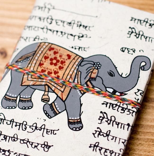〈10cm×7.5cm〉インドの神様柄紙メモ帳 - 象 3 - 拡大写真です