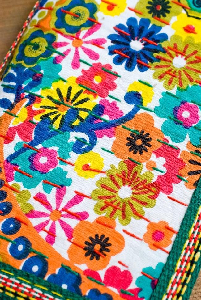 カンタ刺繍の手造りノート(アソート) たて15cmx横10cmの写真2 - 裏面の写真です