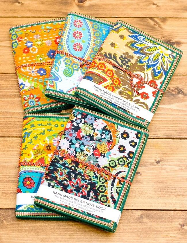 カンタ刺繍の手造りノート(アソート) たて15cmx横10cmの写真4 - このようにとても華やかでかわいいノートです。