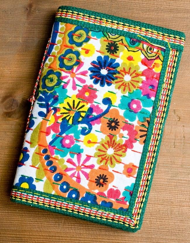 カンタ刺繍の手造りノート(アソート) たて15cmx横10cmの写真