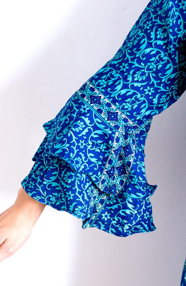 ベルスリーブワンピース - 緑系 10 - 袖口はゆるやかな広がりで女性らしいデザインです。