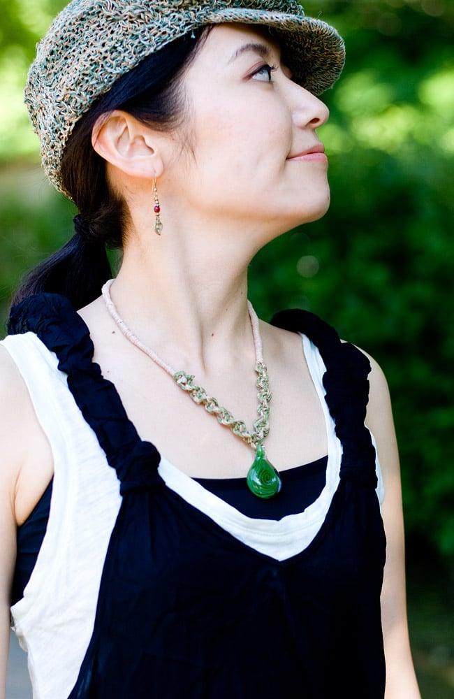タイダイマキシワンピース 6 - 胸元はすっきりしたデザインです。