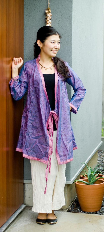 オールドサリーロングカシュクール - 紫・青系 2 - 薄い生地なので、季節の変わり目に羽織るのにピッタリですよ。