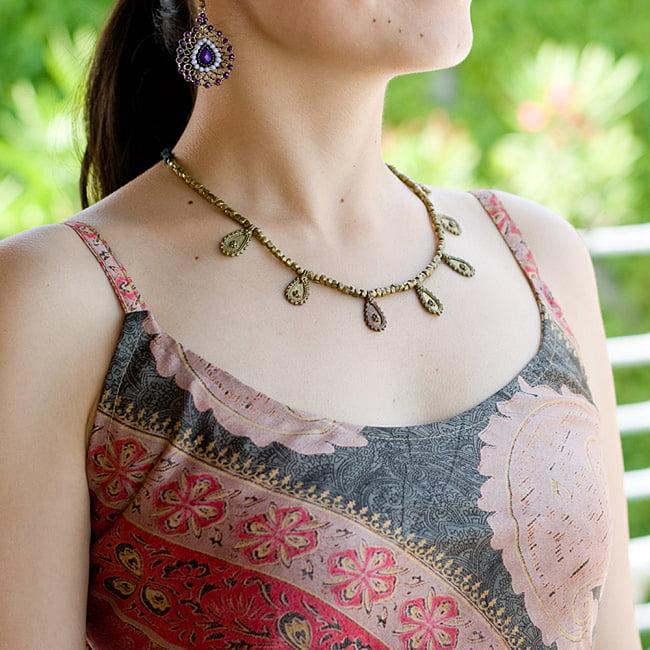 オールドサリーAラインサマードレス 6 - 胸元はこんな感じのシンプルなデザインです。