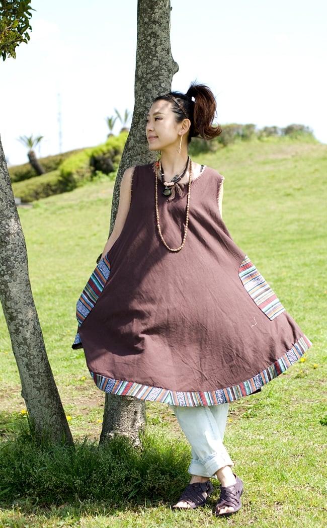 ネパール刺繍のAラインワンピース 2 - 150cmのモデルさんに着てもらいました。Aラインのデザインは動きやすくてとっても楽ちん!女の子らしいデザインが可愛いですね。