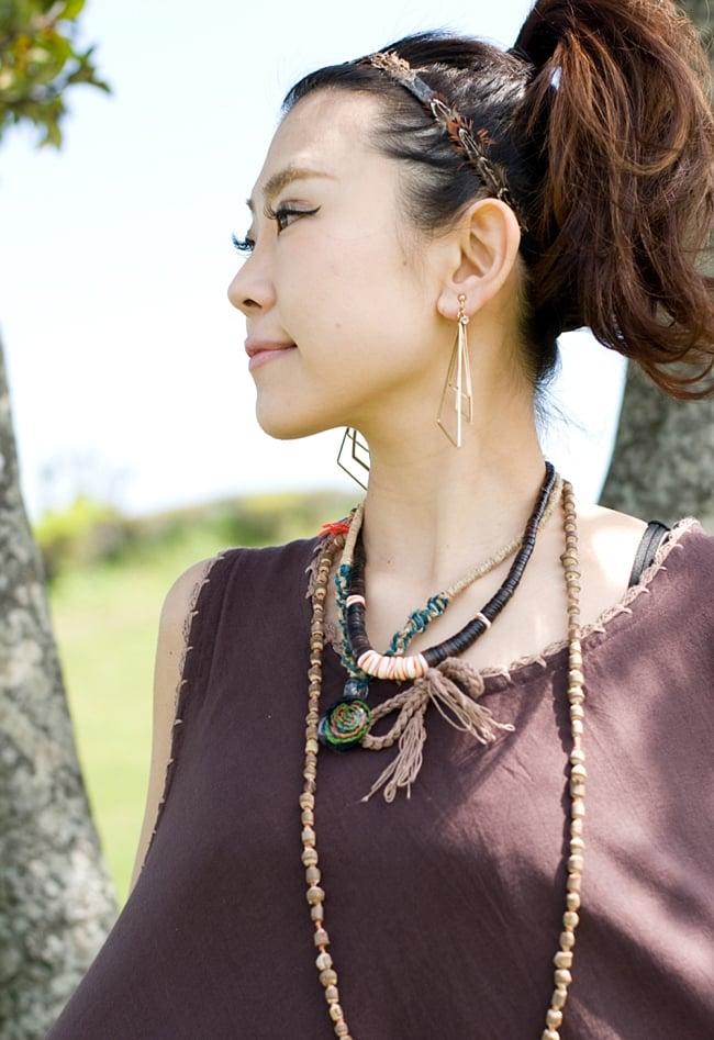 ネパール刺繍のAラインワンピース 5 - 胸元のレースのリボンが女性らしい優しいデザインです。
