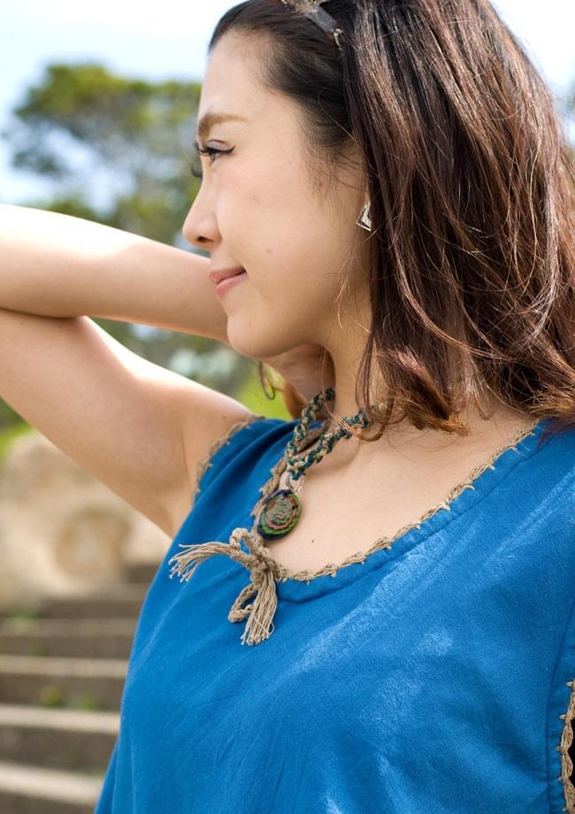 フラワー刺繍ポケットAラインワンピース - スカイブルー 4 - 胸元のレースも女性らしいフェミニンな印象です。
