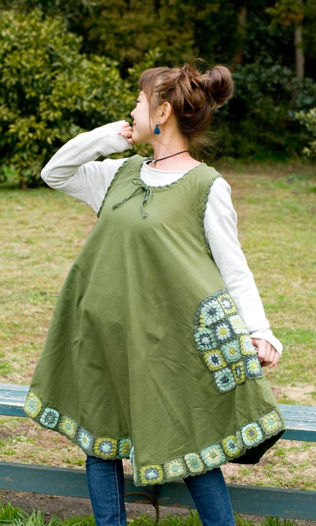 フラワー刺繍ポケットAラインワンピース - カーキの写真