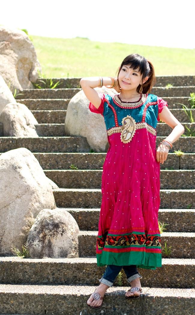 大きな刺繍のゴージャスクルティの写真3 - C:ピンク×グリーン