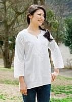 ラクノウ刺繍の白色チュニック