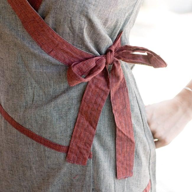 半袖コットンロングカシュクール 黄茶の写真6 - サイドは紐で結ぶデザインです。