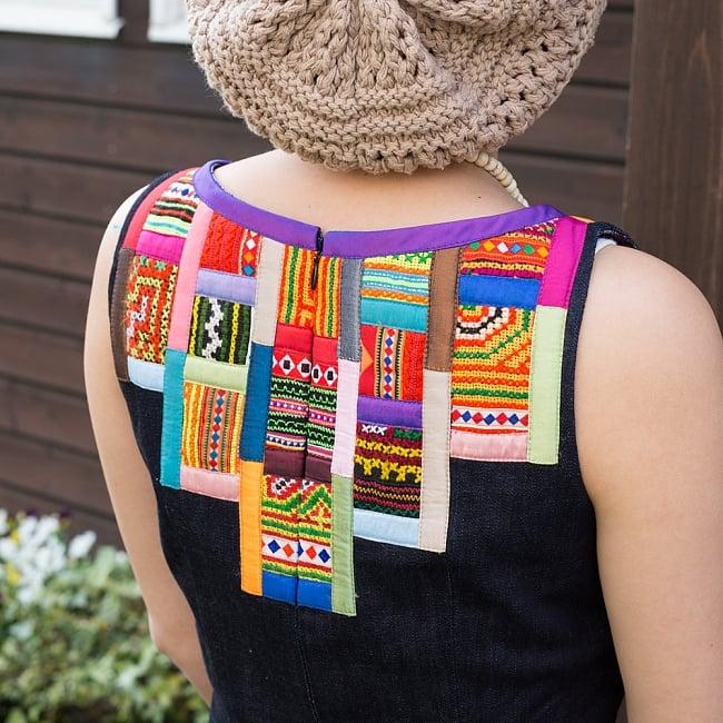 【1点もの・CHULA】モン族刺繍のワンピース デニム生地 4 - 鮮やかなモン族刺繍が装飾に使われています。