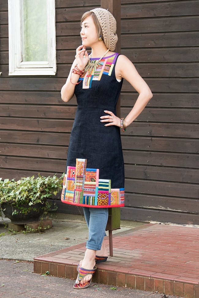 【1点もの・CHULA】モン族刺繍のワンピース デニム生地の写真
