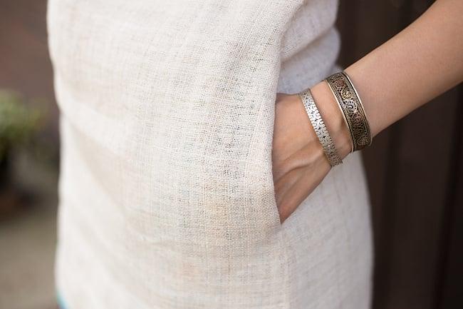 【1点もの・CHULA】モン族刺繍のワンピース ジュート生地の写真8 - ポケットがついています。